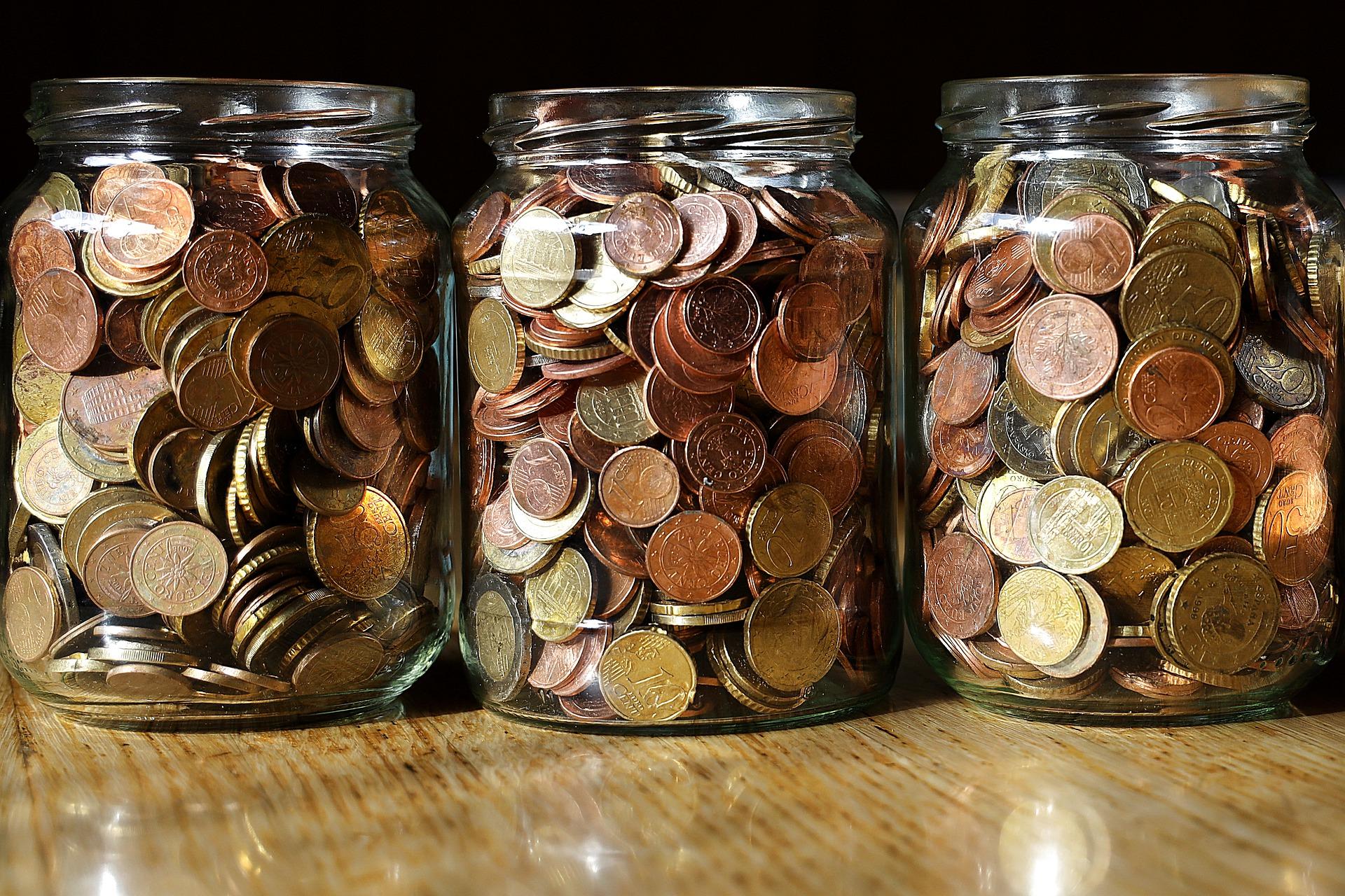 Die Frage wie wird man schuldenfrei beantwortet das gesparte Geld, welches hier zu sehen ist